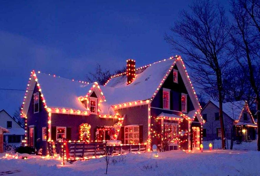 новогоднее оформление частного дома №3